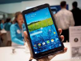Samsung Galaxy Rugged Samsung U0027s New Galaxy Tab Active Looks And Feels Rugged In The Hand