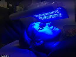 my skin buddy light therapy led treatment using skin penetrating wavelengths of light promises
