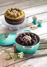 create the perfect simnel cake this easter with le creuset le