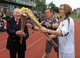 Roger Banister Running Great Sir Roger Bannister Made A Companion Of Honour In