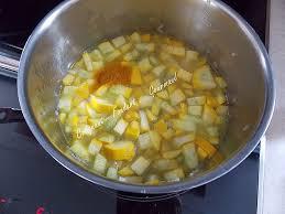 comment cuisiner les courgettes jaunes cuisiner une courgette best of cour te ronde au four recette hd