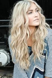 coupe de cheveux blond coupe cheveux blond ondulé