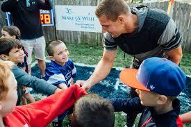 rob gronkowski grants boy u0027s make a wish for backyard football