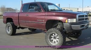 dodge ram 2500 v8 2002 dodge ram 2500 laramie slt cab truck item