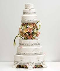 unique wedding cake diamonds gold