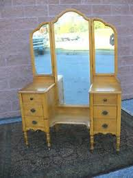 Vanity Mirror Tri Fold Beautiful Vintage Ideas To Restore An Old Vanity Just Like This