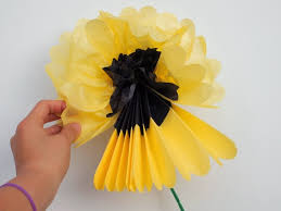 tissue paper flowers how to make tissue paper flowers pink stripey socks