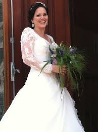 wedding dress hire this is what happens if you don t hire a wedding photographer