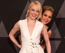 emma stone and jennifer lawrence friends lawrence and emma stone embodied friendship goals at the governors