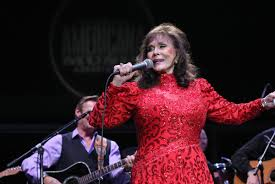 country singer loretta lynn hospitalized after stroke fox2now com
