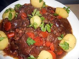 cuisine lyonnaise recettes recette d estouffade de boeuf a la lyonnaise