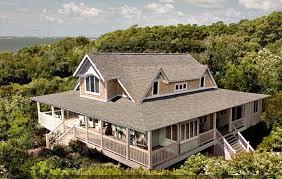 emily thorne u0027s beach house in the hamptons on