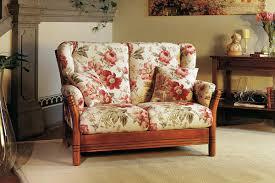 divanetto cucina gallery of divani legno e tessuto idee per il design della casa