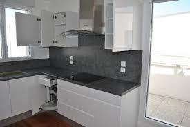 cuisine moderne blanche et cuisine blanche moderne avec modele deco cuisine stunning modele