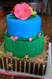 Luau Cake Decorations Momentary Madness Cakes Luau Cake