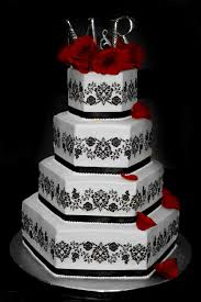 wedding cakes black and white wedding cakes with bling beautiful