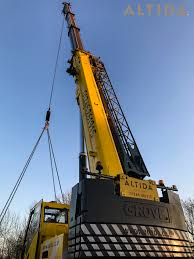 grove gmk3050 1 50 tonne mobile crane in chesterfield lifting 10