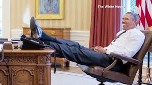 trump desk vs obama desk pres obama puts his foot on his desk the situation room with