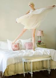Schlafzimmer Deko Pink Bett Ohne Kopfteil So Wird Das Schlafzimmer Größer Möbel