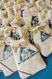 each wedding guest received a small bag of colombian coffee beans