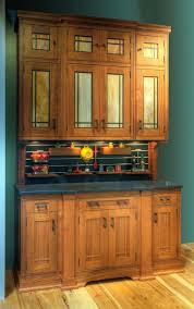 kitchen crown molding ideas 109 best crown molding cabinets images on crown