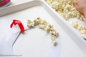 easy popcorn ring kid made ornaments