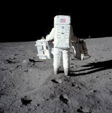 Can You See The Us Flag On The Moon A Man On The Moon 100 Photographs The Most Influential Images