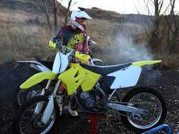 suzuki rm 125 pics specs and list of seriess by year