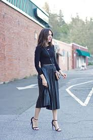 pleated skirts 20 style tips on how to wear a pleated skirt ideas gurl