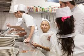 seconde de cuisine les enfants de l école bénigne ont été les commis de cuisine