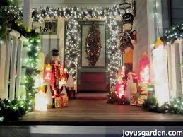 Outdoor Christmas Decorating Tips by Outdoor Christmas Decorating Ideas