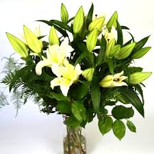 Lilies Flower Scented Flower Bouquet Of Oriental Lilies Hand Tied With Foliages