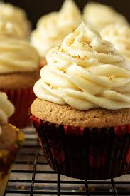 maple frosting spiced cupcakes with maple buttercream berly s kitchen