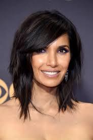 lob haircut with bangs padma lakshmi shaggy lob haircut with bangs emmys stylecaster