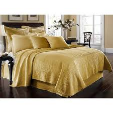 Summer Coverlet King Best 25 King Size Coverlets Ideas On Pinterest King Size Bed