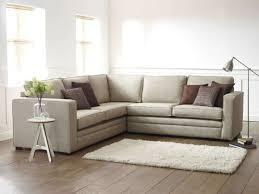 canapé pour petit salon le design du canapé convertible pratique et confortable archzine fr