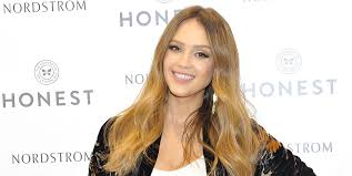 hair style giving birth jessica alba hits the gym six weeks after giving birth to son hayes