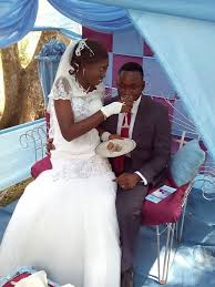 bolã ro mariage chief commander ebenezer obey home
