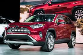 toyota finance canada login toyota bets 1 1 billion on suvs in canada with trudeau s help