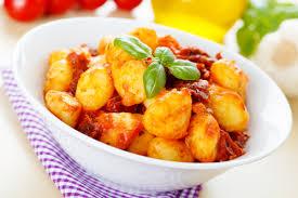cuisiner des gnocchis recette gourmande gnocchis à la sauce tomate