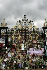 Where Is Kensington Palace How Kensington U0027s White Garden Celebrates The Life Of Princess