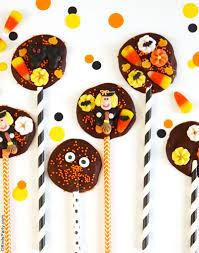 halloween chocolate bark lollipops
