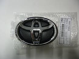 toyota yaris emblem toyota yaris hatchback 2012 14 front grille emblem 75311 12a10 ebay