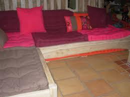 canap au sol chambre canapé en coussin de sol sur le coussins de sol oreillers