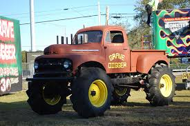 original grave digger monster truck the way they used to be lifted trucks pinterest monster trucks