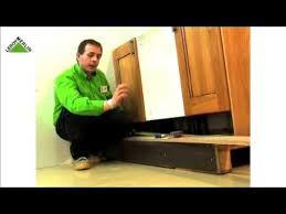 12 varias formas de hacer tiradores leroy merlin montar una cocina parte v coloca puertas remates y zócalo leroy