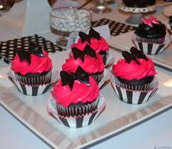 bridal cupcakes hot pink black white bridal shower liz bushong