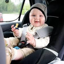 bebe 8 mois siege auto a la route auto voiture pneu idée