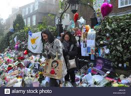 george michael home london uk 02nd jan 2017 george michael fans tribute outside