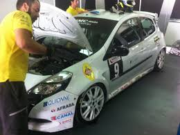 renault clio rally car quionne on the renault clio cup quionne engineering